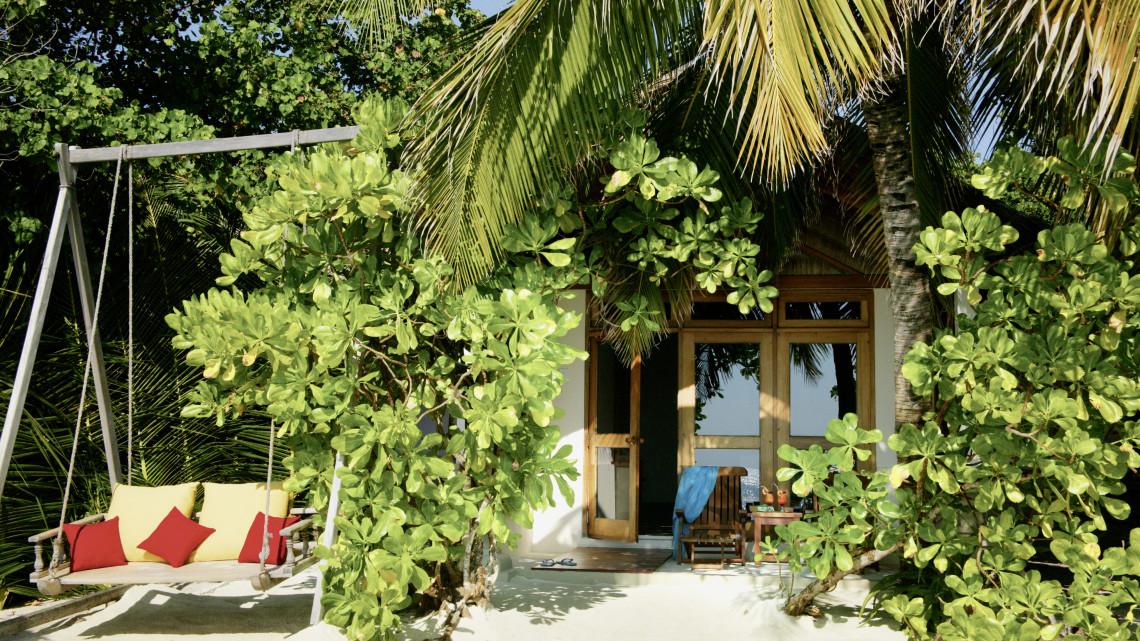 mle-reethi-beach-bungalow.jpg