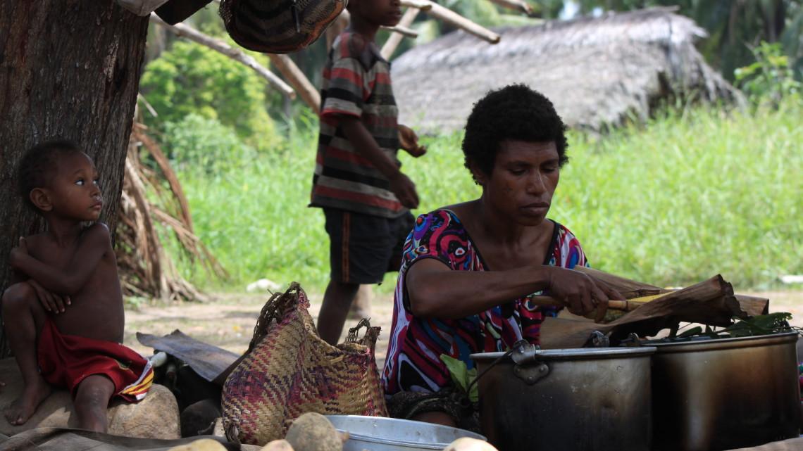 tau-papua-reise-locals1