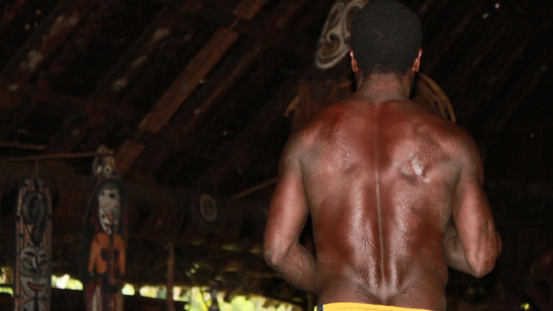 tau-papua-reise-locals3