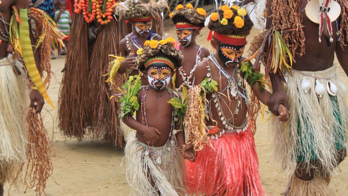 tau-papua-reise-locals4