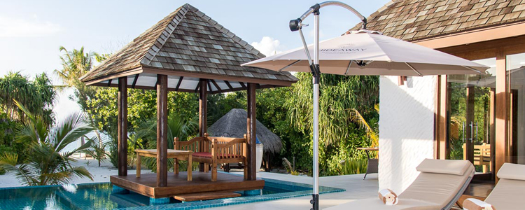 Privater Pool einer Strandvilla