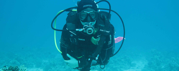 Bettina Vögeli, leidenschaftliche Taucherin mit Rescue Diver Brevet