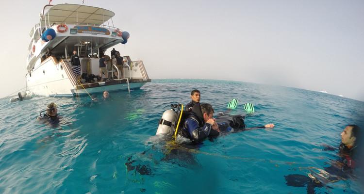 tau-rescue-schiff-titel