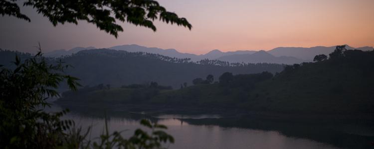 Zum Seelebaumelnlassen: Sonnenuntergang auf der Veranda der Guest Houses von Tamarind Gardens