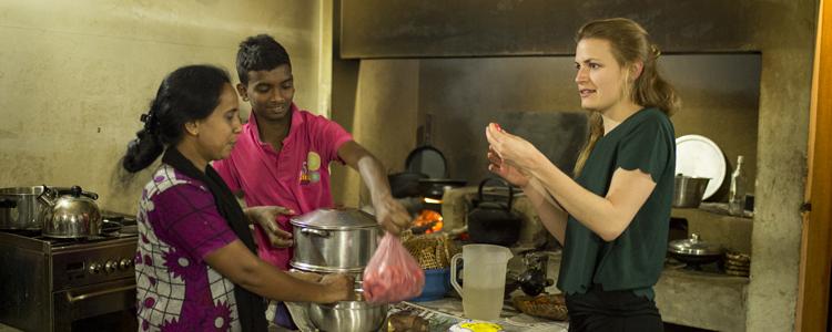 Sucht- und Spassfaktor: Currykochen mit Einheimischen in Tamarind Gardens