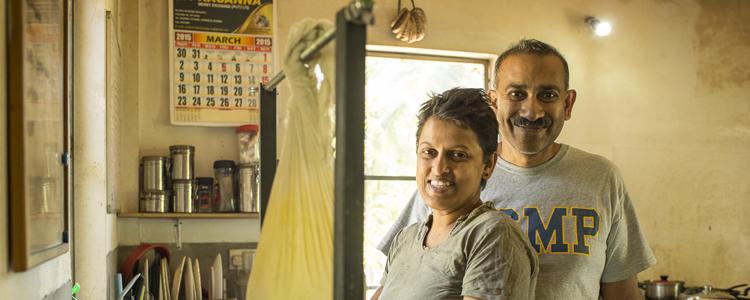 «Live with locals»: Der Name ist mehr als nur Programm mit dem sympathischen Gastgeberpaar Ayesha und Nalin, die ihr Herzblutprojekt mit Tamarind Gardens realisiert haben. Sogar der Käse von den hauseigenen Kühen wird in liebevoller Handarbeit selbstgemacht.
