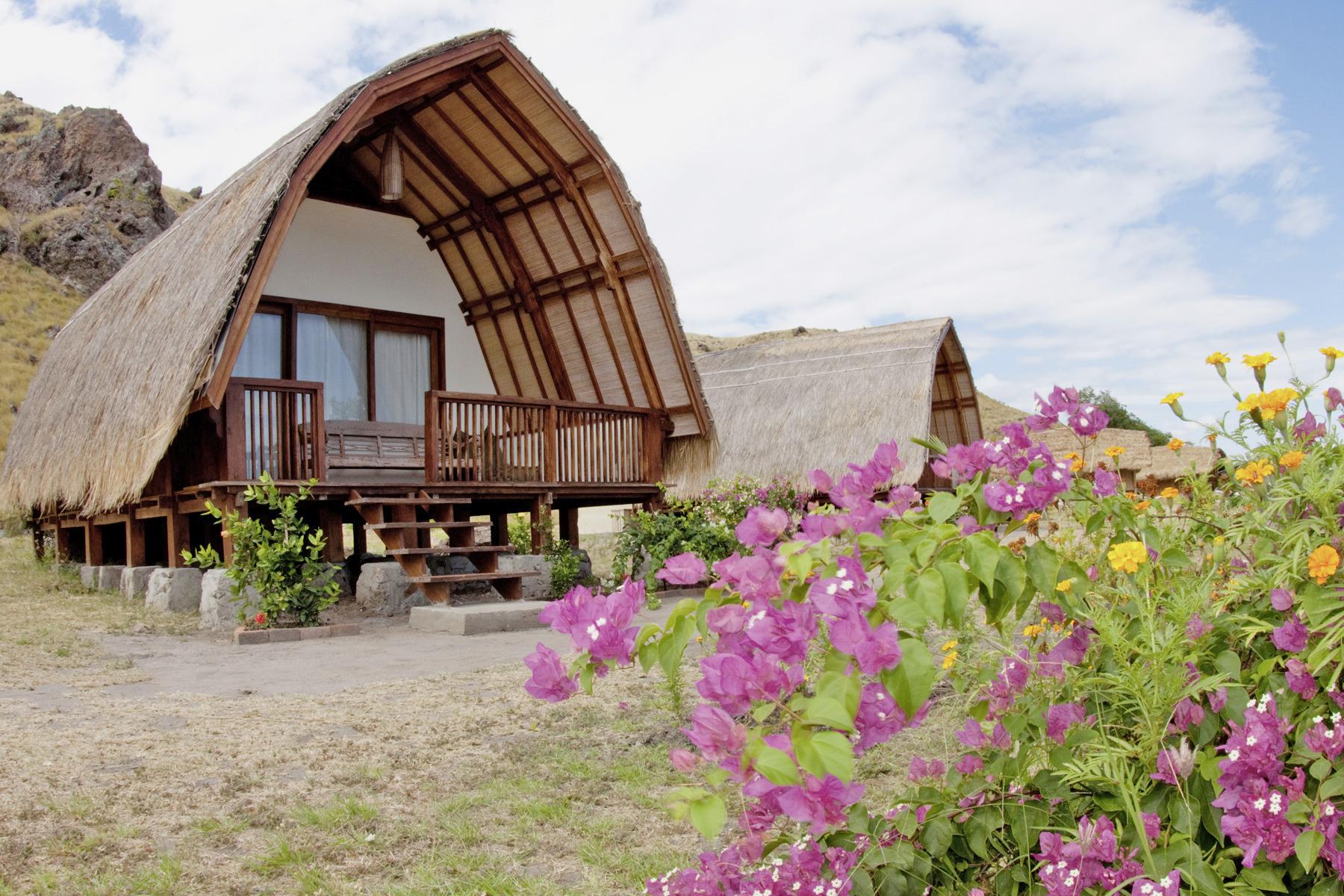 tau-komodo-bungalow aussen - Manta Blog