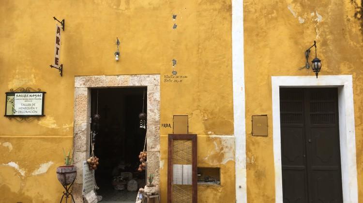 Der Dorfkern in Izamal ist komplett in Gelb gehüllt