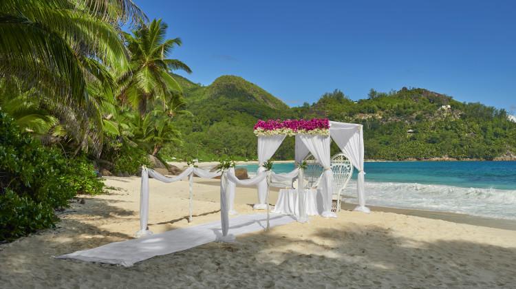 Heiraten am Strand vom Bayan Tree Seychelles